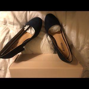 Just Fab Navy Pumps